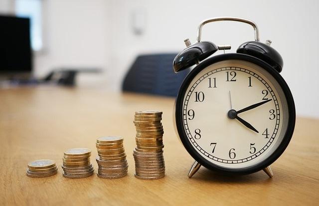 Zegarek i pieniądze
